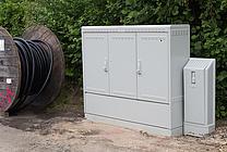 Kabelverzweiger werden bei FTTC-Anschlüssen (VDSL) per Glasfaser erschlossen (jpeg, 300, dpi, 1,5 MB)